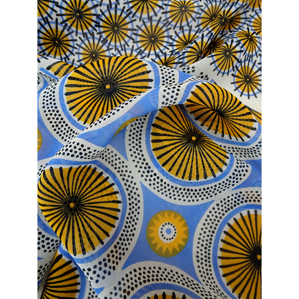 parasol_-_cream_yellow_blue_close_up_1118237873